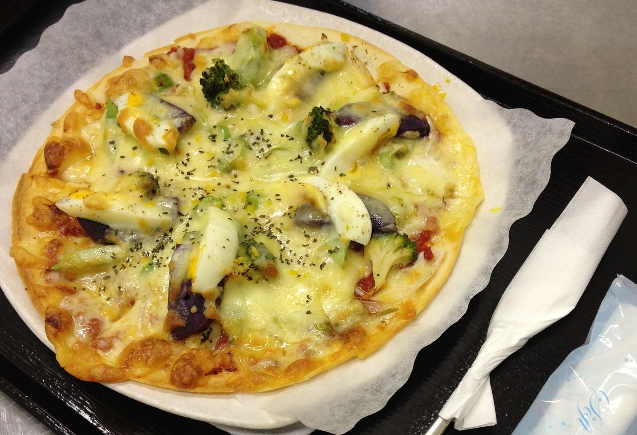季節野菜のピザ