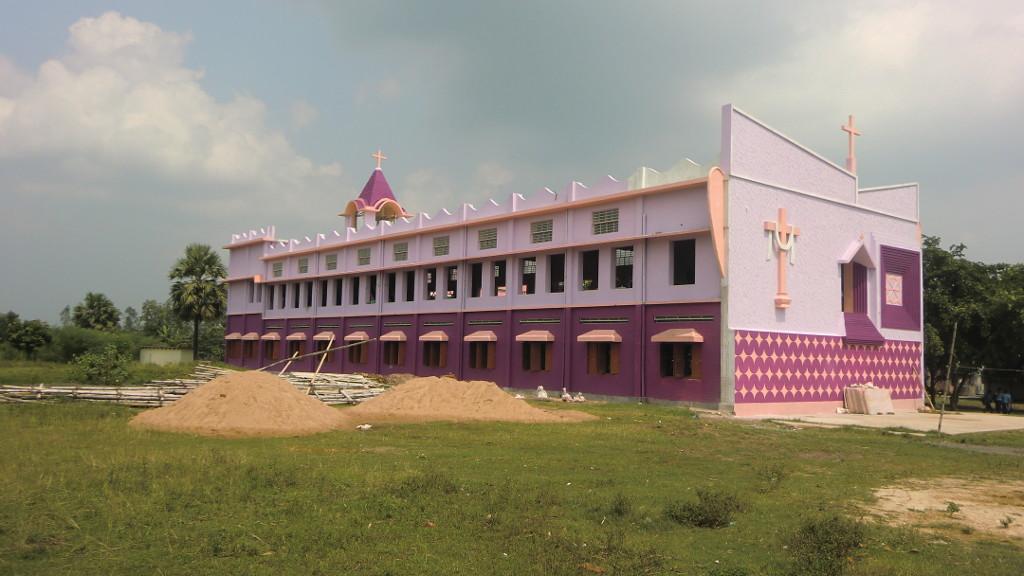 Kirche der Norbert Catholic Mission; Schulräume im EG