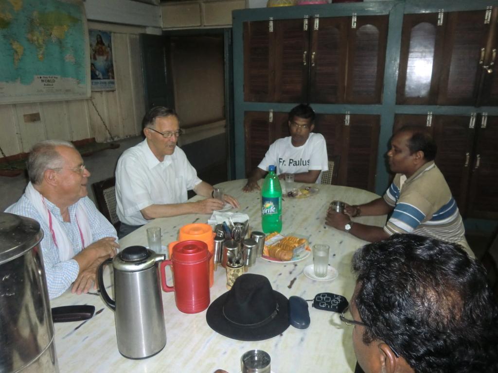 Besuch bei der Dompfarrei von Raiganj