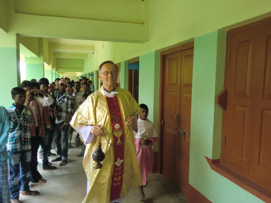 Segung von Schule und Hostel