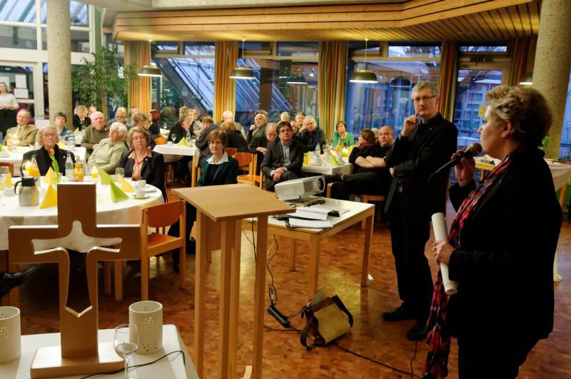 Susanne Selbert und Dr. Jochen Gerlach während der Aussprache (Fotos: Karl-Günter Balzer)