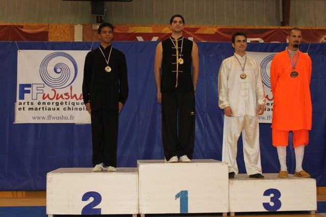 M Daniel Habibian : Médaille d'Or (styles imitatifs) et d'Argent (armes longues)
