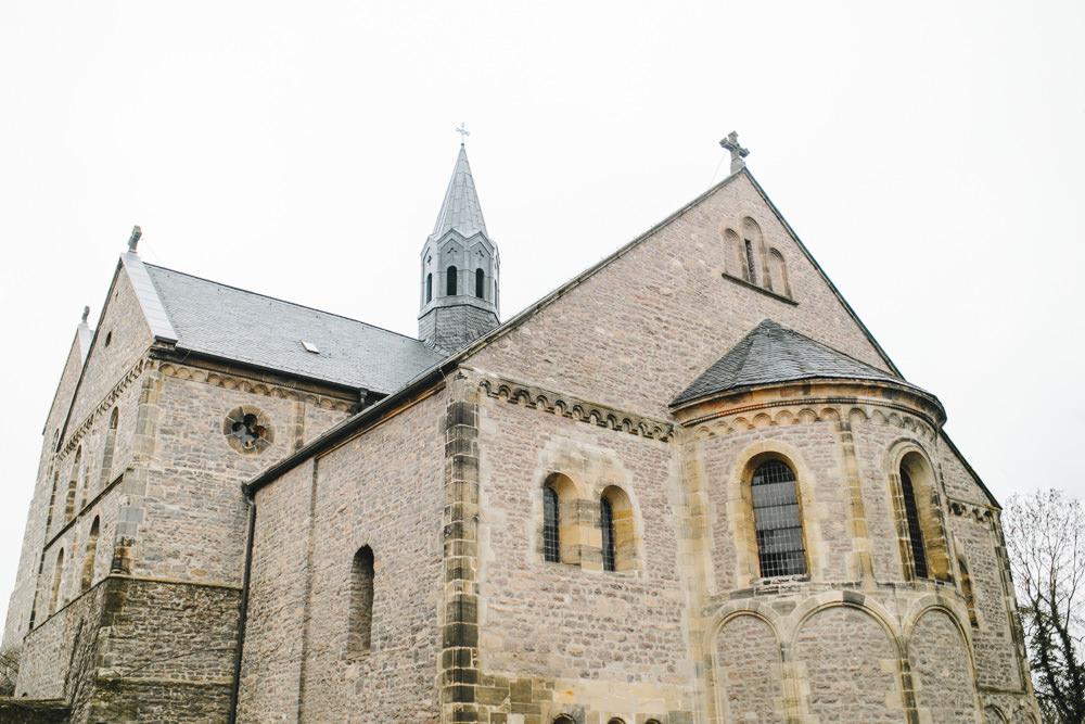 irene, jonas, halle, magdeburg, thomas, sasse, hochzeitsfotograf, kloster petersberg, getting ready, vorbereitungen