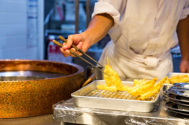 天ぷらをろ過した綺麗な油で調理
