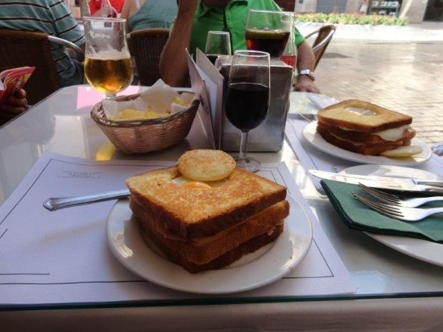 Kurzer Snack in Malaga