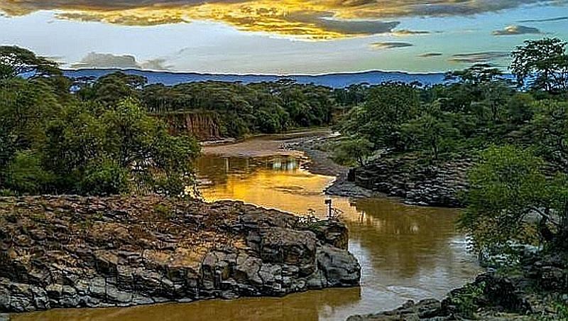 Kenya. Kerio River nei pressi di Chebloch Gorge