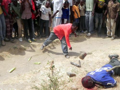 Ladro comune ucciso a bastonate