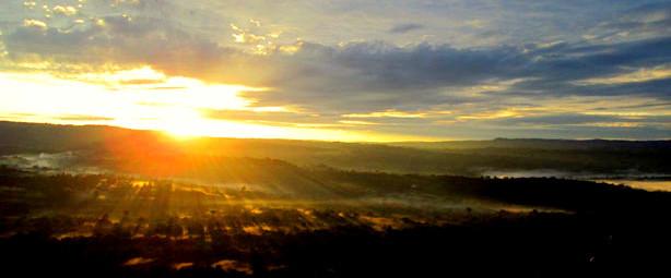 Sorgere del sole. Kenya