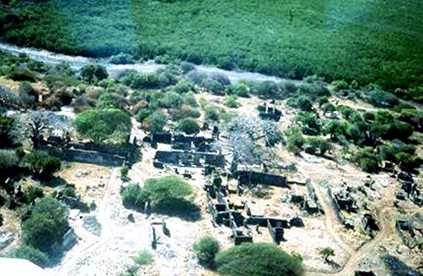 Takwa. La moschea è al centro della foto