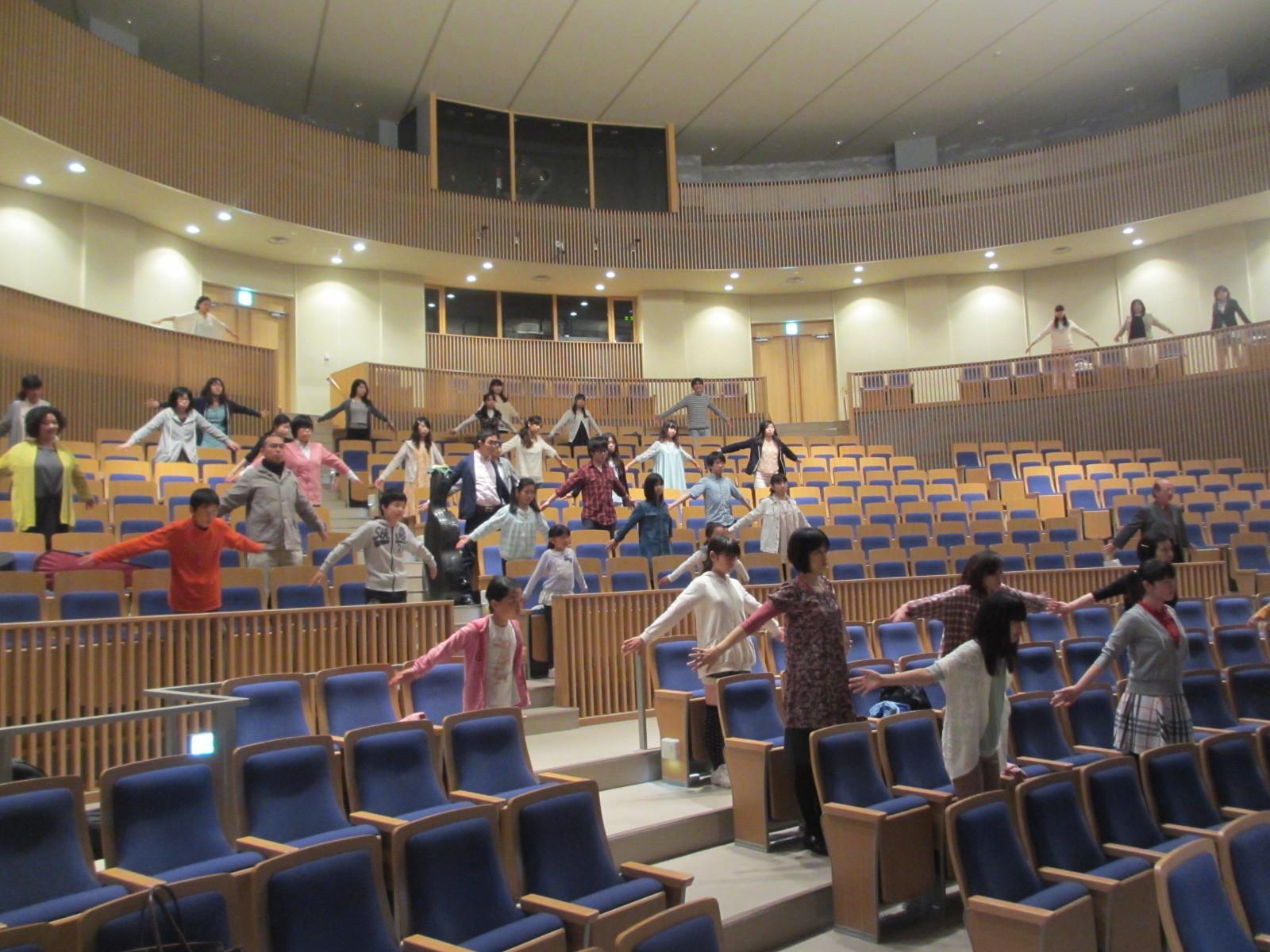 開講式の前に演奏家の為のストレッチ講座