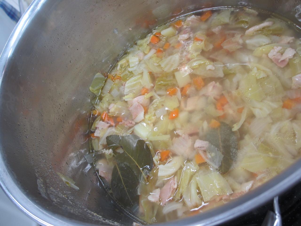ヘルシー手作り野菜スープ