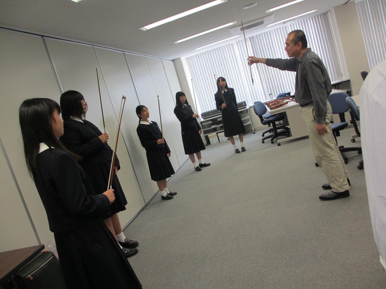 ご近所尾道学園では弦楽クラブ発足!