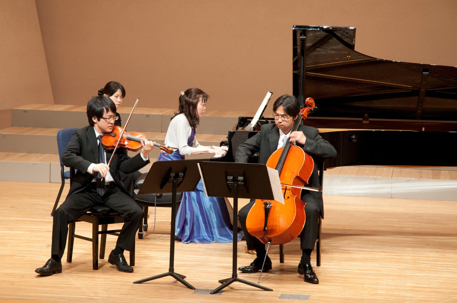 講師と上級生によるドビュッシーピアノトリオ