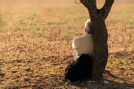 nostalgia depresso depressa dormire insonnia sensazione paurosa pensieri ricorrenti angoscia svegliarsi spavento trauma traumi passato