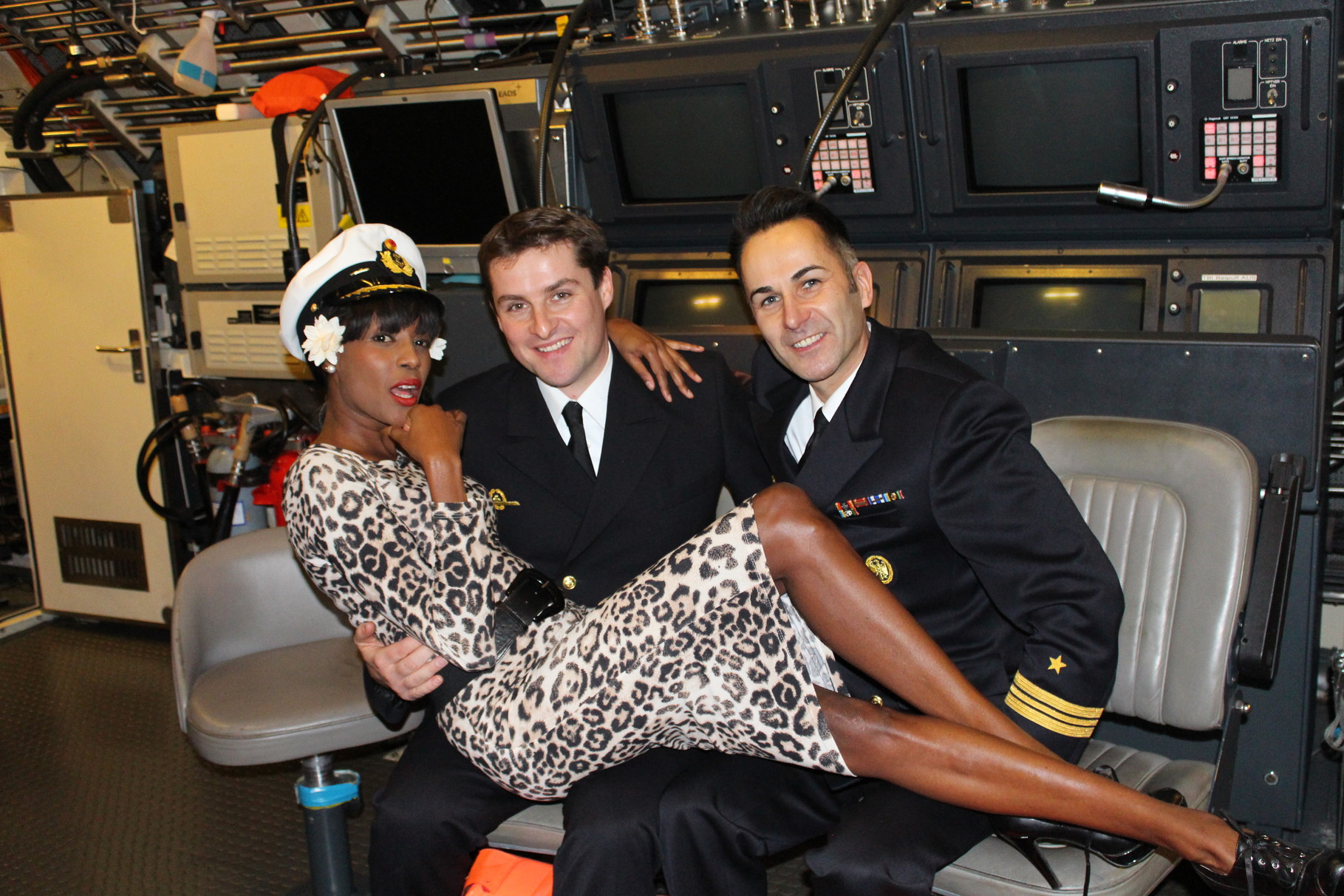 Auch Kommandanten und Schiffstechnische Offiziere lassen sich gern vor der Kamera blicken!