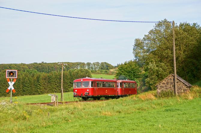 Die Eifelquerbahn ist eine der letzten Bahnstrecken in Deutschland die sich den typischen Charme einer Nebenbahn bewahrt hat