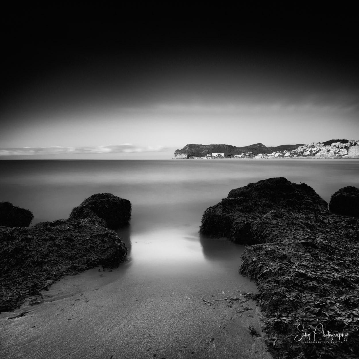 Mallorca / Playa la Romana, Sonnenaufgang, Langzeitbelichtung, 2015, © Silly Photography
