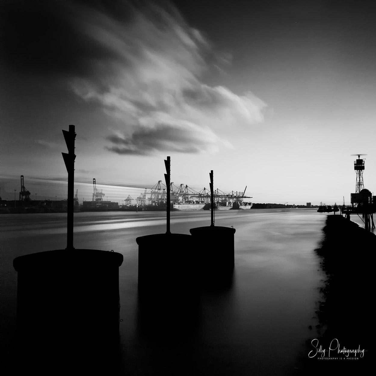 Hamburg / Hamburger Hafen, Langzeitbelichtung, 2014, © Silly Photography