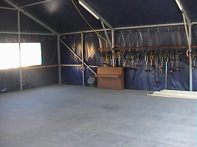"""vue intérieure de """"la tente 144m2"""""""