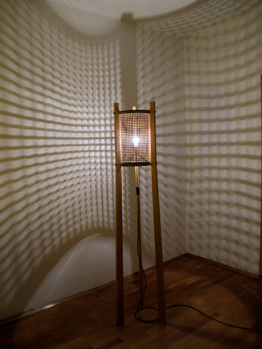 Papierkob, Stehlampe, Tripot, Rostart, Vintage Art, upcycling, Lichtobjekt, Kraftobjekte Wolfgang Wallner Hall in Tirol