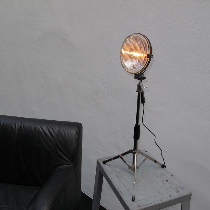 Skoda, Stehlampe, Tripot, Vintage Art, upcycling,  Kraftobjekte Wolfgang Wallner Hall in Tirol