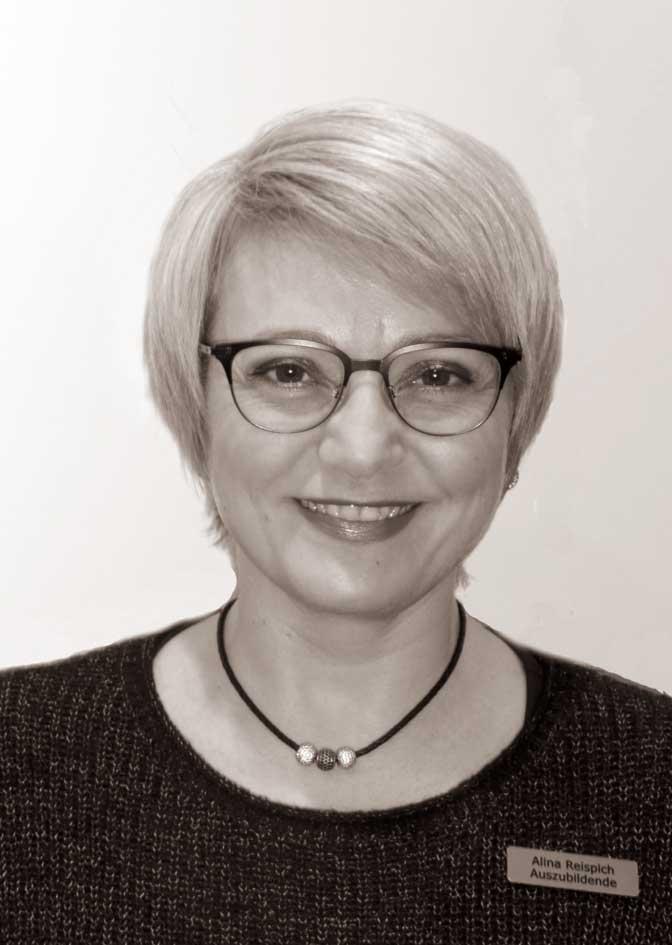 Auszubildende Frau Alina Reispich