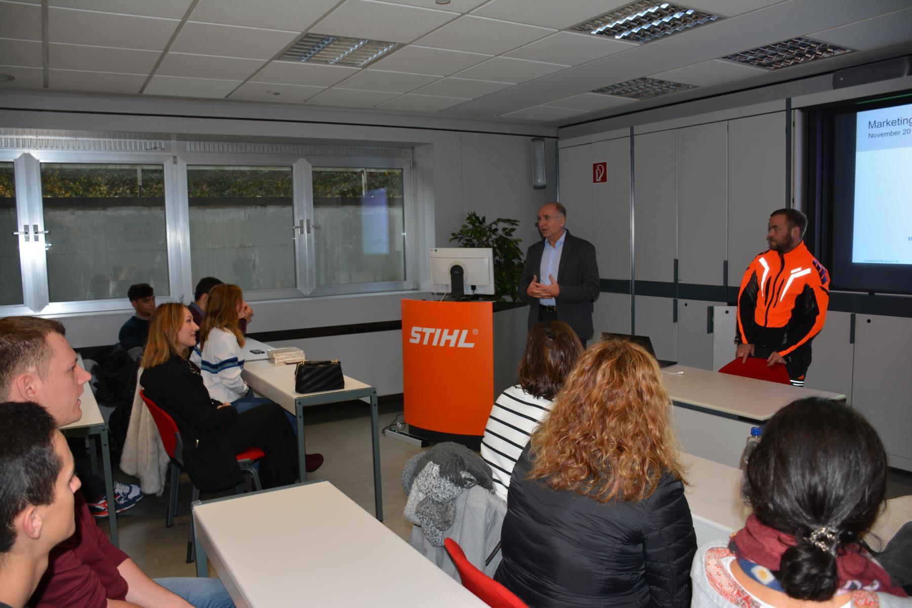 Visita a la empresa Andreas Stihl, saludo por el Sr. Iber (Gerente General de Stihl España)