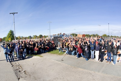 KISS fans at the Monument.