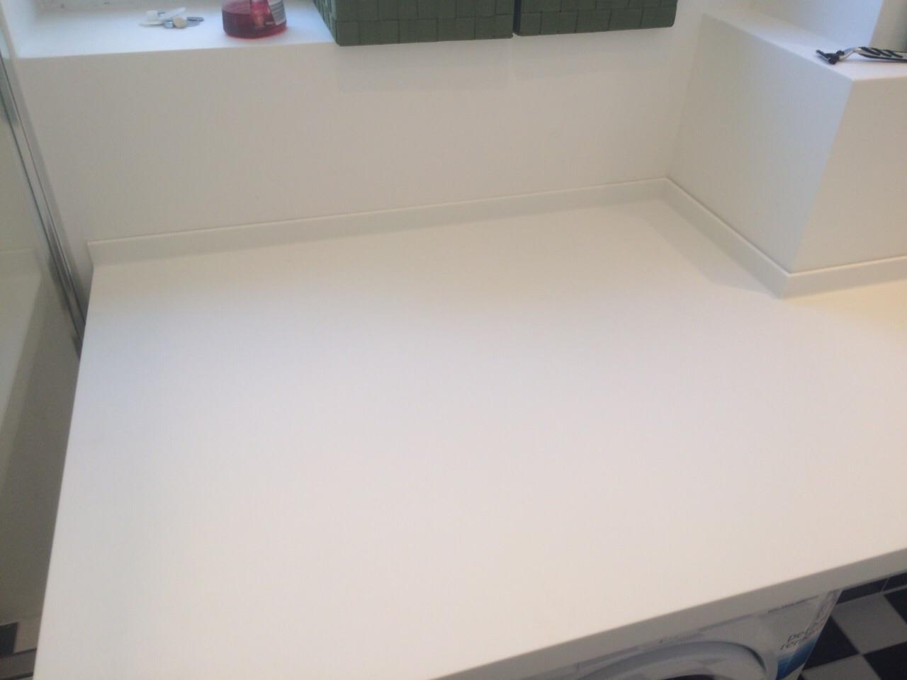 Corian Sonderanfertigung Waschtisch und Ablage