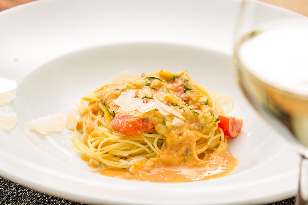 Zitronige Zucchini Spaghetti