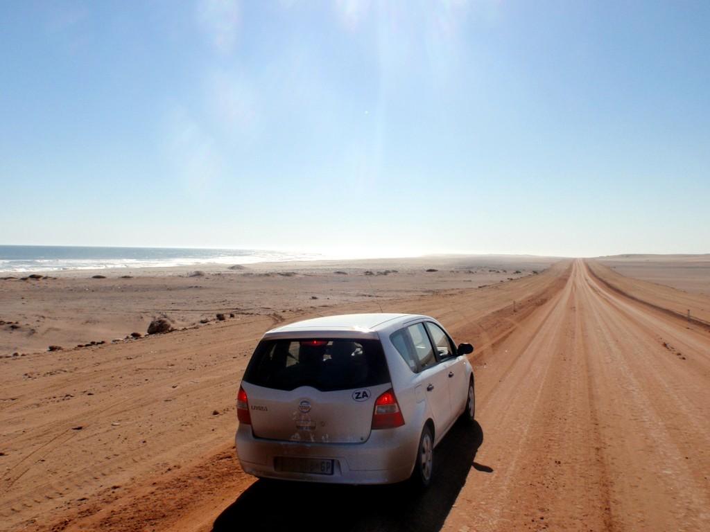 Piste de sable plein nord, Cote des squelettes, Namibie