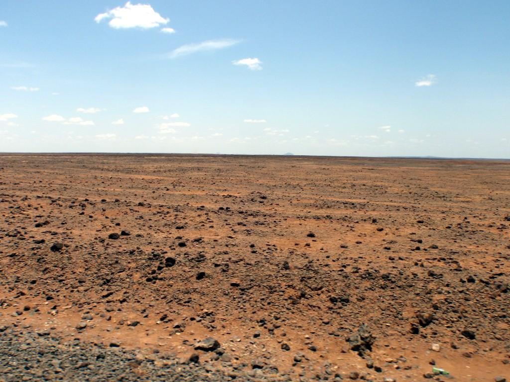 Désert de pierres entre Marsabit et Moyale, Kenya