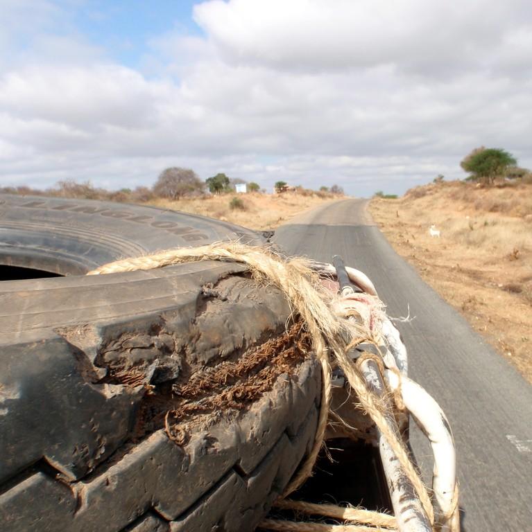 Sur le toît du camion, sur la route, Kenya