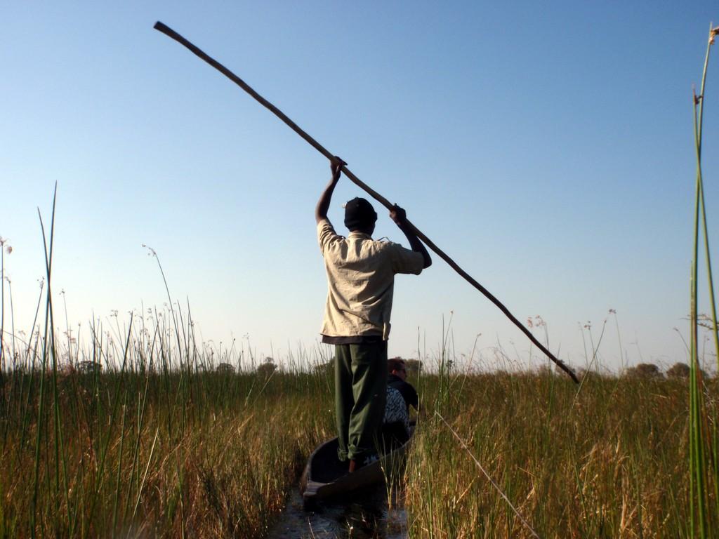 Mokoro dans le Delta, Delta de l'Okavango, Botswana