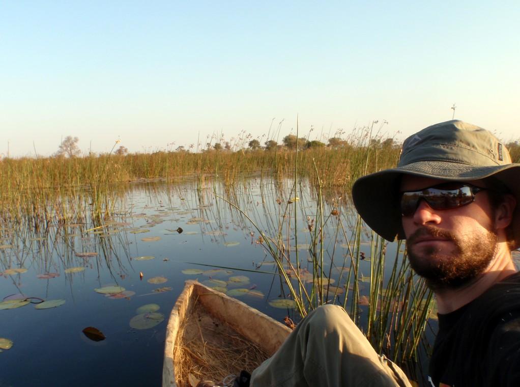 A l'avant de mon mokoro, Delta de l'Okavango, Botswana