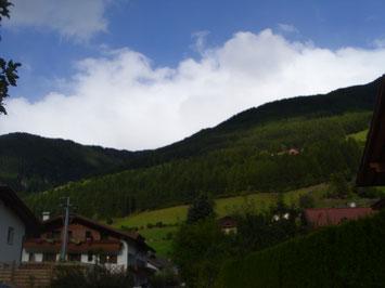 """Klasse 10c und 10e sagen """"Hallo"""" aus Südtirol"""
