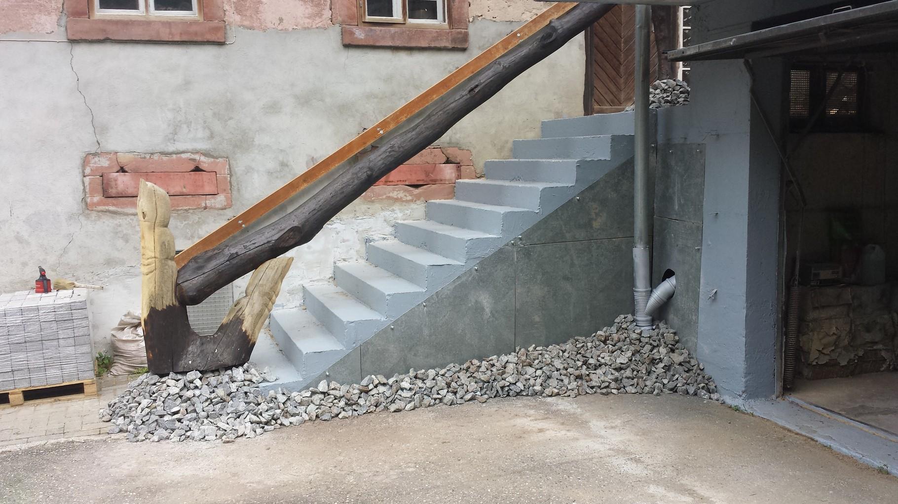 """Zeig mir deine Kraft """"2014"""" Die Treppengestaltung ist eine individuelle Gestaltung, die ihre Treppe zu einem Unikat macht. Die Treppe wird in Form und Holzart individuell ausgesucht."""
