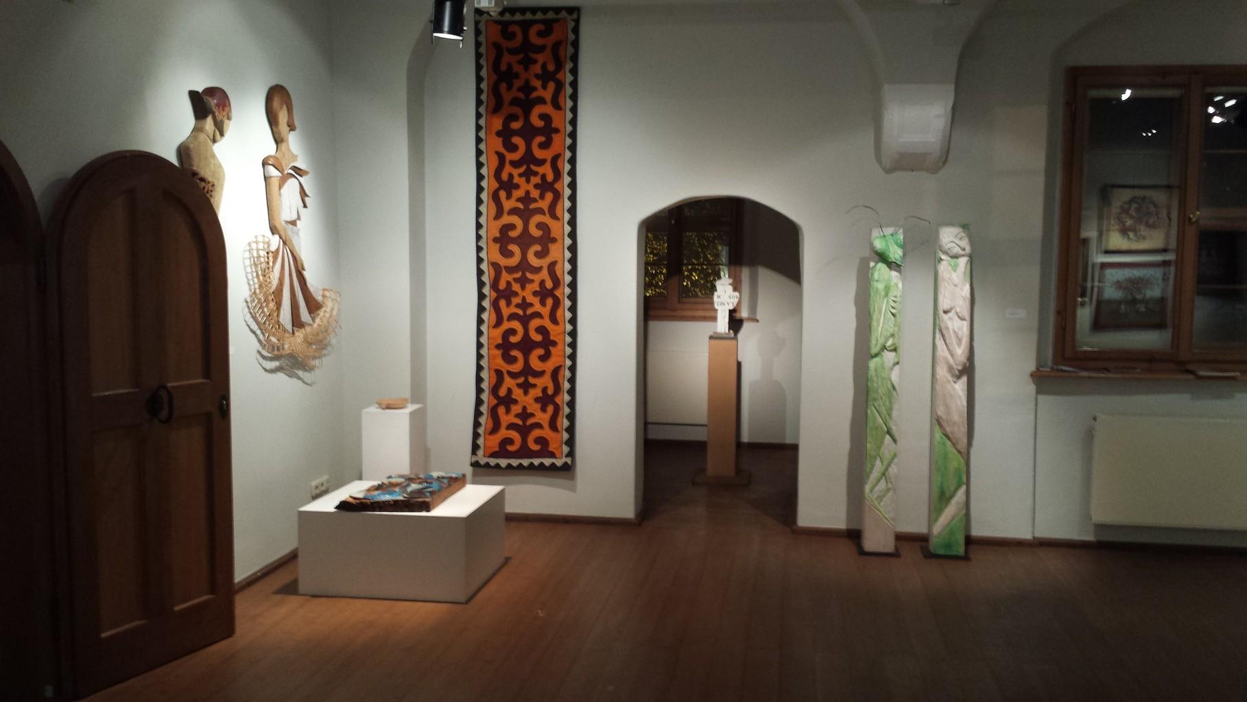 Kaffenbach Wasserschloss Ausstellung mit Beteiligung von Art Leben im Holz Chemnitz