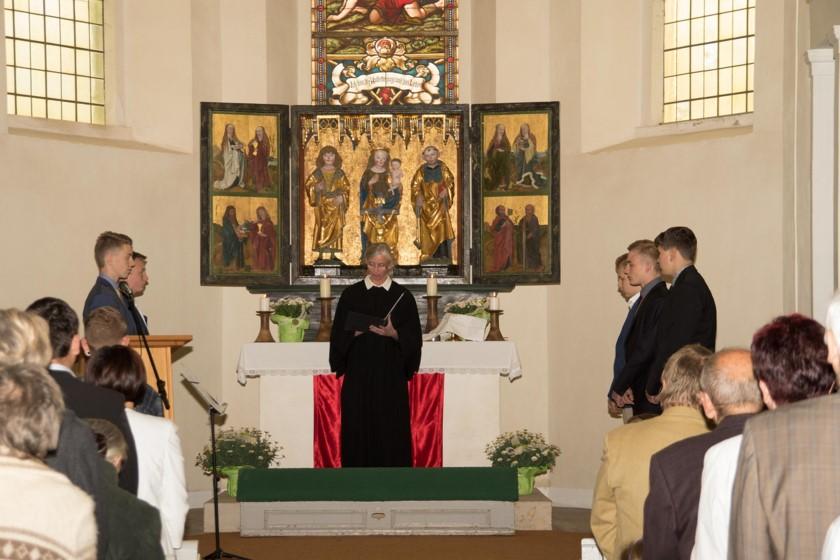 Pfarrerin Mönnich gestaltete und leitete den Gottesdienst