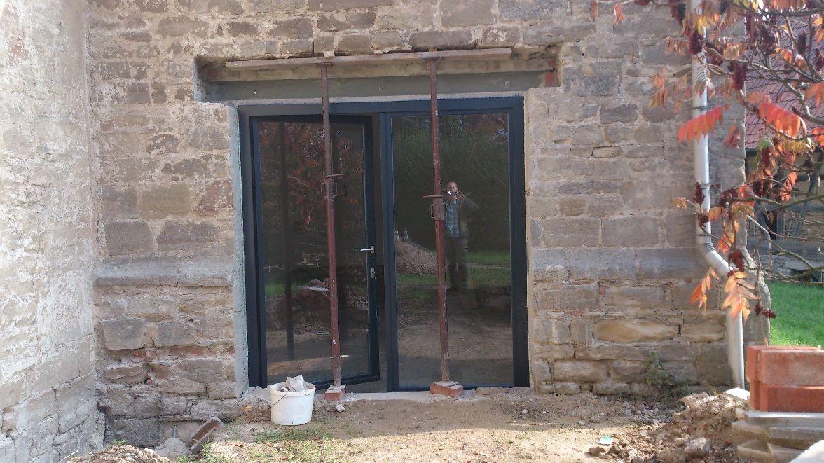 02.10.2014 - Die Glastür ist eingesetzt