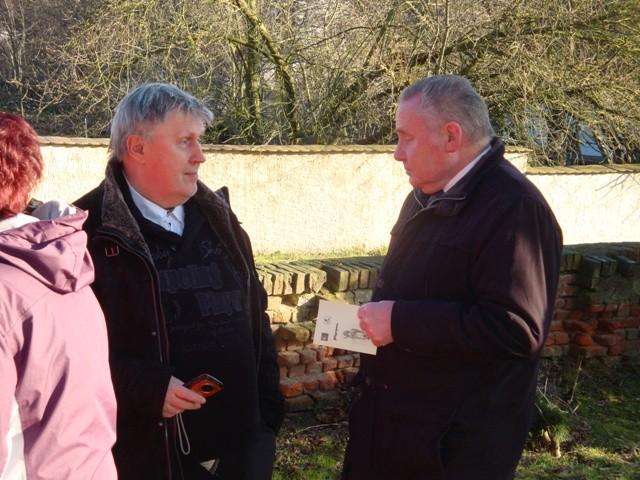 Pfarrer Bachmann und der Vorsitzende des Kreiskirchenrates Herr Fallgatter