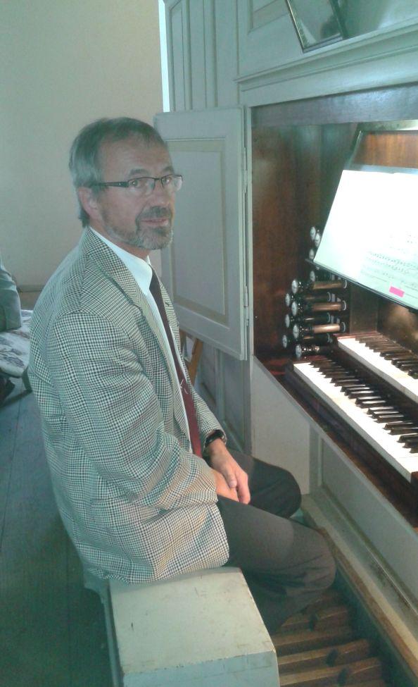 Thomas Erler nochmals an der Orgel