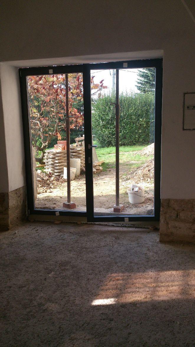 02.10.2014 - Durch die Glastür der Blick nach draußen