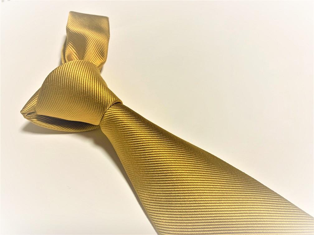 ゴールドネクタイ