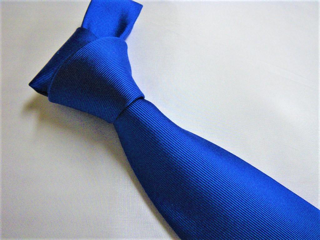 ネクタイに負担をかけない結び方