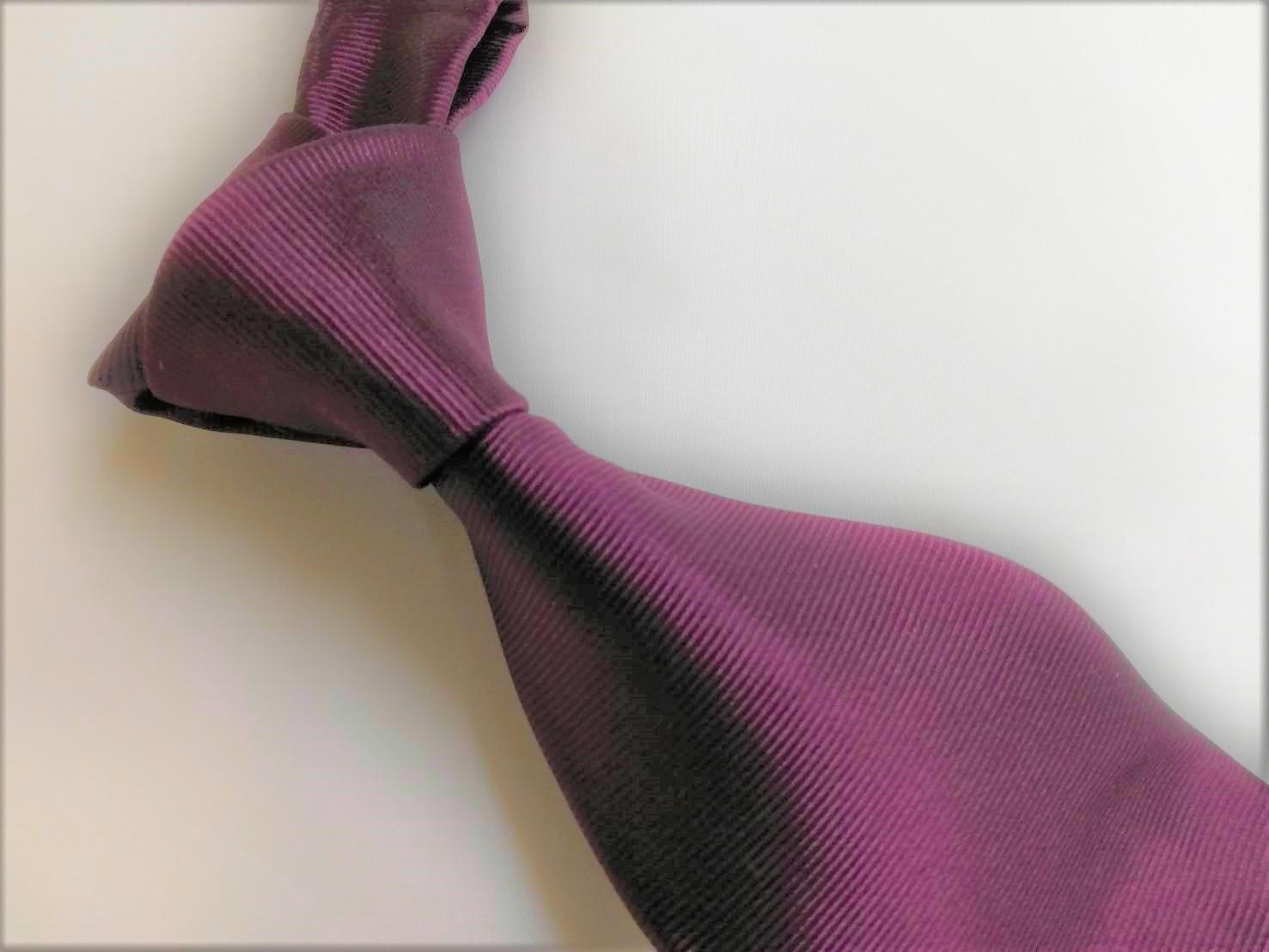 ネクタイは湿気が苦手
