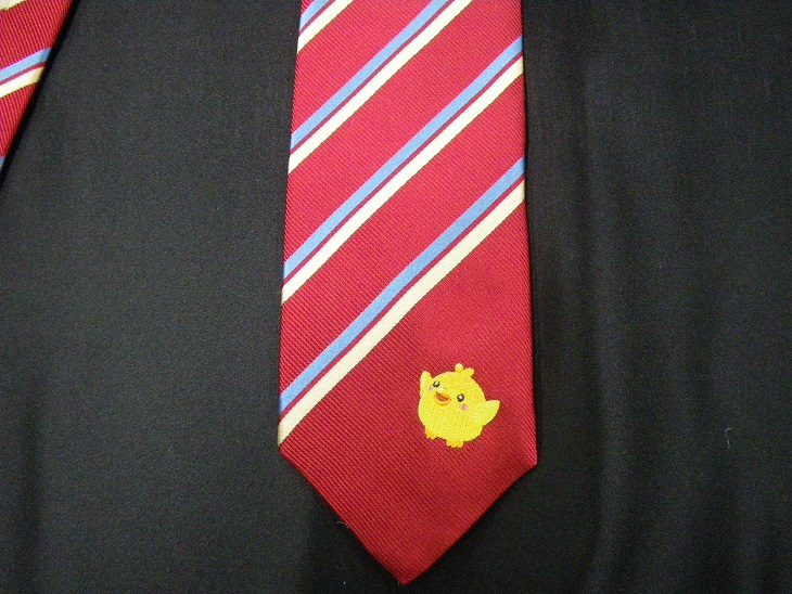 ネクタイに刺繍