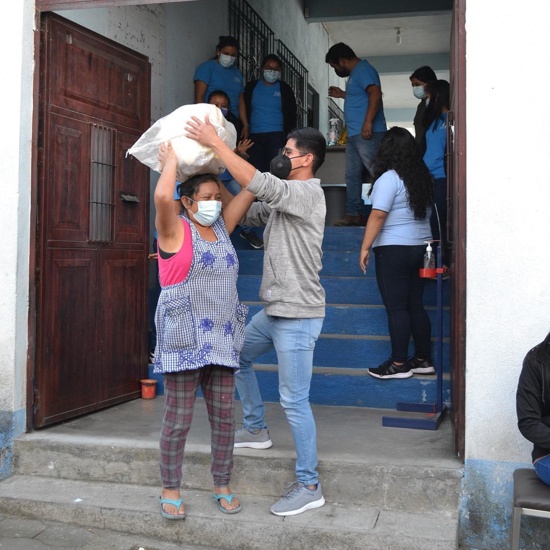 Verteilung von Lebensmitteln (© Niños de Guatemala)