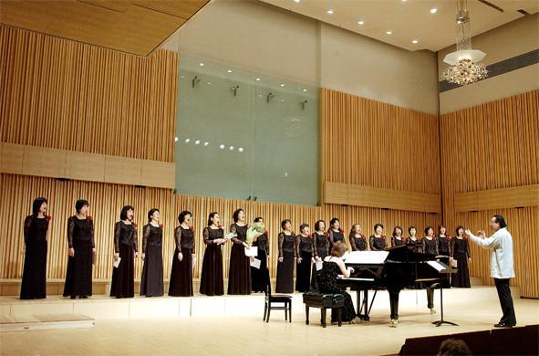 第4回定期演奏会  アミュゼ柏クリスタルホール