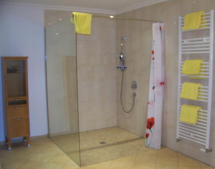 Dusche 1,5 x 1,5 Meter, barrierefrei